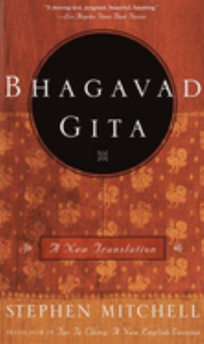 Paperback Bhagavad Gita : A New Translation Book