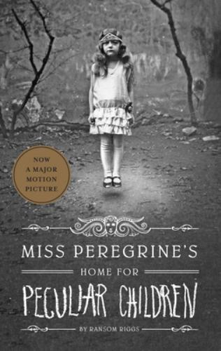 Paperback Miss Peregrine's Home for Peculiar Children Book