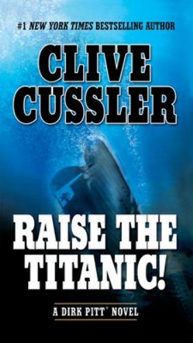 Paperback Raise the Titanic! Book