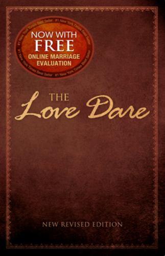 Paperback The Love Dare Book