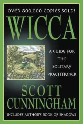 Paperback Wicca : A Guide for the Solitary Practitioner Book