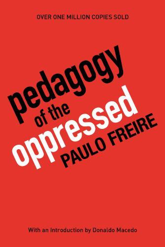 Paperback Pedagogy of the Oppressed Book