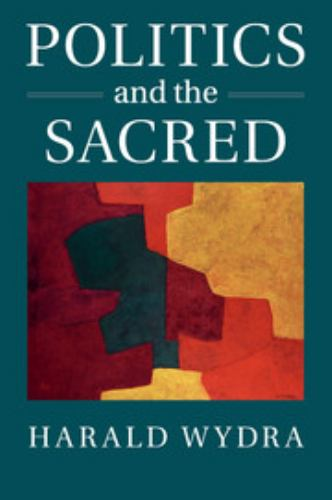 Paperback Politics and the Sacred Book