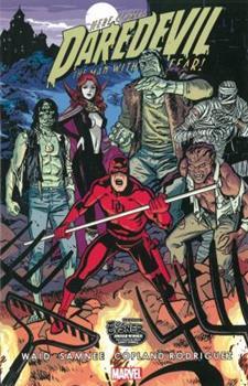 Paperback Daredevil, Volume 7 Book