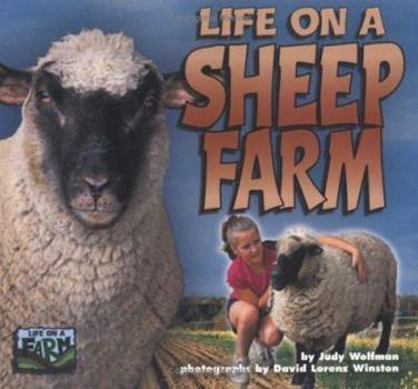 Life on a Sheep Farm (Life on a Farm) 1575051923 Book Cover