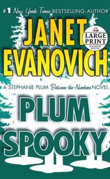 Paperback Plum Spooky: A Stephanie Plum Between-the-Numbers-Novel [Large Print] Book
