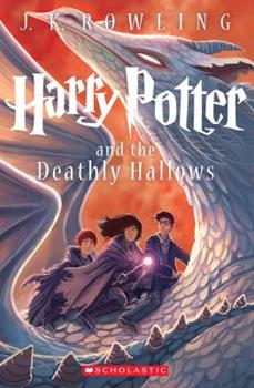 Paperback Harry Potter and the Deathly Hallows Book