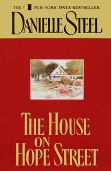 Paperback The House on Hope Street [Large Print] Book