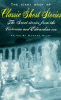 Paperback Giant Book of Classic Ghost Stories Book