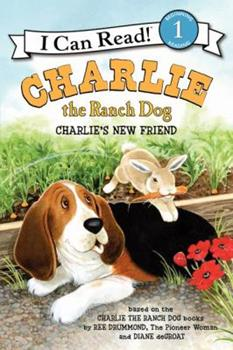 Paperback Charlie the Ranch Dog: Charlie's New Friend Book
