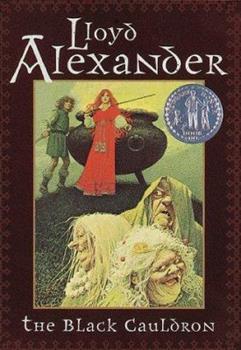 Paperback The Black Cauldron (Pyrdain Chronicles) Book