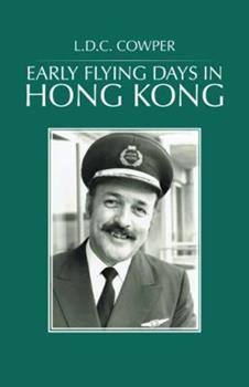 Paperback Early Flying Days in Hong Kong Book