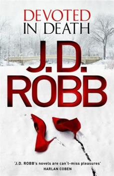 Paperback Devoted in Death: 41 Book