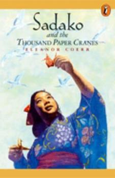 Paperback Sadako and the Thousand Paper Cranes Book
