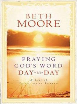 Paperback Praying God's Word Day by Day: A Year of Devotional Prayer (Walker Large Print Books) [Large Print] Book