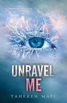 Paperback Unravel Me (Shatter Me) Book