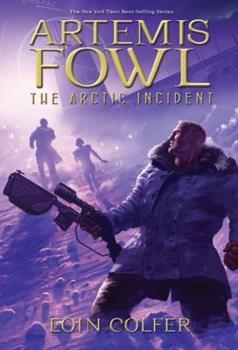 Paperback The Arctic Incident (Artemis Fowl, Book 2) Book