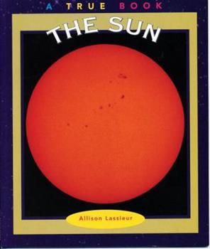 Paperback The Sun (True Books: Space) Book