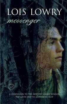 Paperback Messenger (Readers Circle) Book