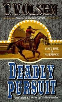 Paperback Deadly Pursuit Book