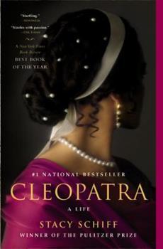 Paperback Cleopatra : A Life Book