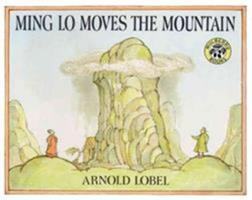 Ming Lo Moves the Mountain 0590429027 Book Cover