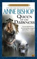 Queen of the Darkness 0451456734 Book Cover