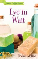 Lye in Wait (A Home Crafting Mystery) 0738711160 Book Cover