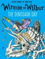 Winnie's Dinosaur Day 0192794019 Book Cover
